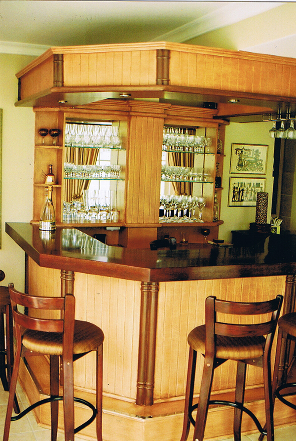 Bar with paint technique